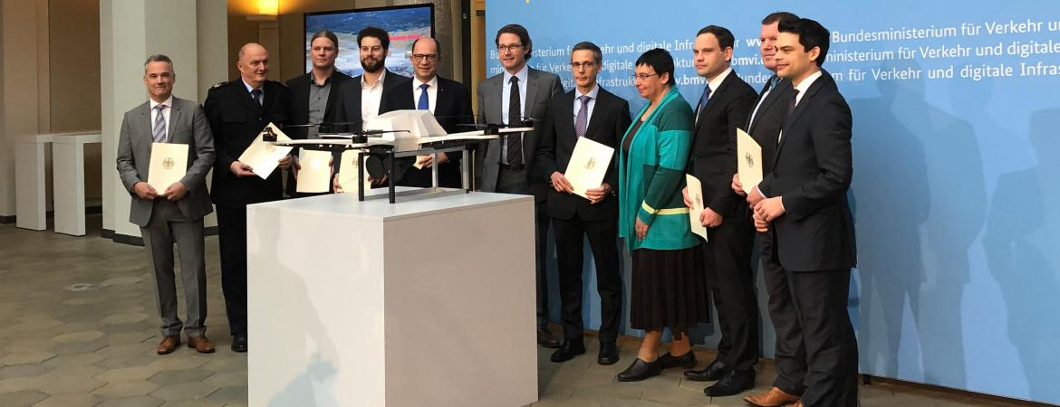 German Federal Minister Scheuer awarded the funding agreement for the research project FALKE